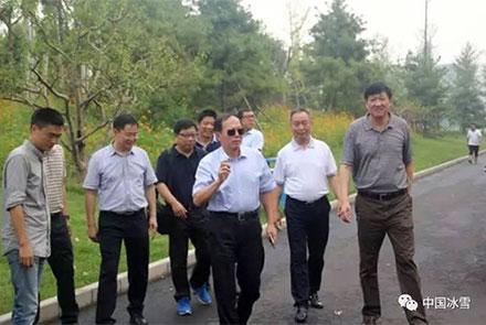 苟仲文局长考察调研奥林匹克森林公园旱...
