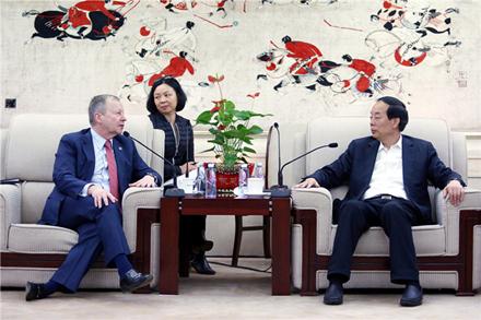 国家体育总局领导会见香港马会行政总裁
