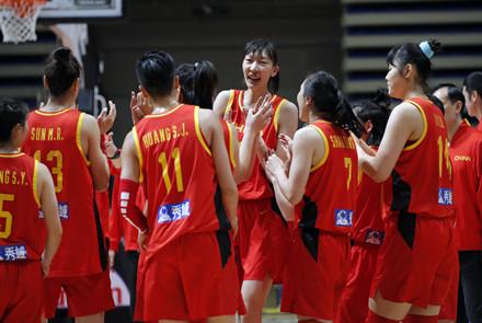 胜利献给武汉 胜利献给祖国 中国女篮...